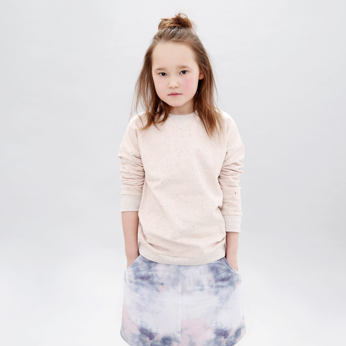 organic kids fashion - girls rose sweater and blue white girls skirt - with love from Berlin